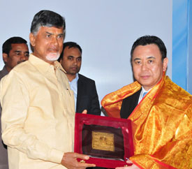 Hon'ble Chief Minister of Andhra Pradesh, Chandrababu Naidu & Mr. Yosuke Takagi, State Minister for Economy Trade & Industry, Japan meet in Vijayawada